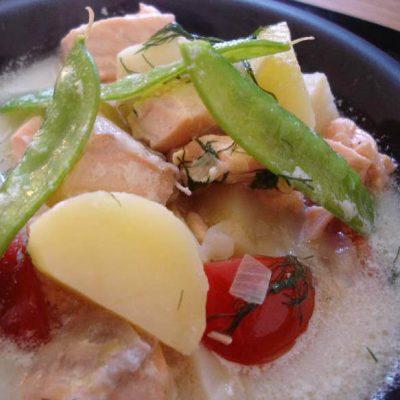Ingefärsdoftande soppa med lax