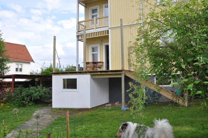 grundmålat veranda